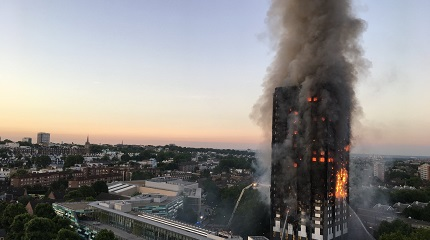 Grenfell_Tower_fire_(wider_view) Photo Natalie Oxford SML.jpg