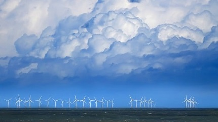 Wind farm in the English channel iStock-518384158_Andy-Coleman.jpg