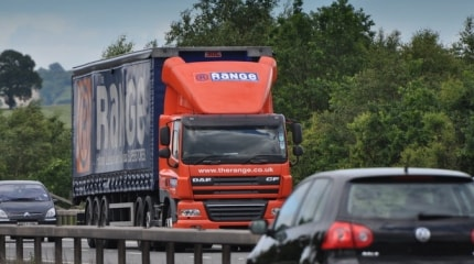 M42_articulated_lorry_-_geograph.org.uk.jpg