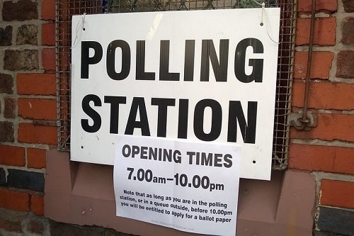 Polling station Flickr by Pete.jpg